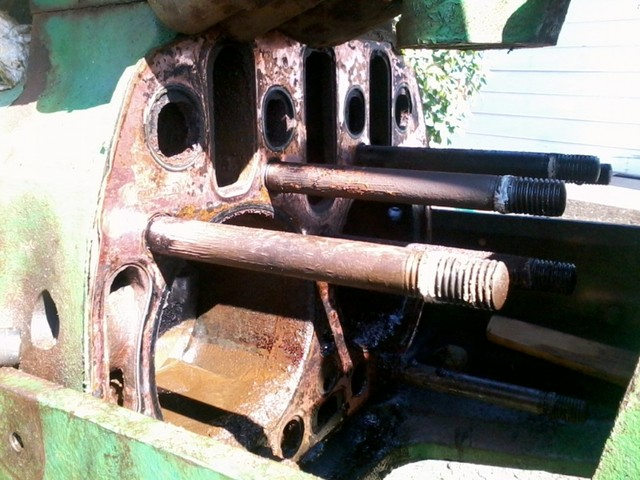 For old tractor lovers---How I freed up stuck engine on John