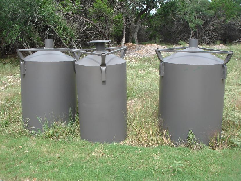 800lb corn feeders- $330 for orders of 2 or more