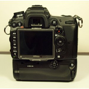 Name:  nikon-mb-d11-multi-power-battery-pack-front.jpg